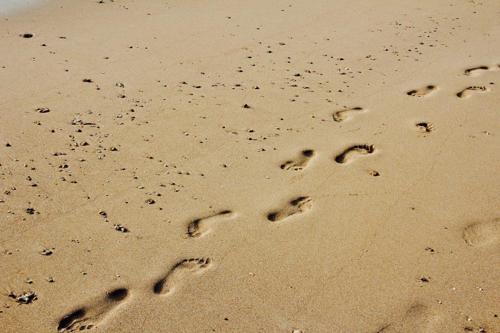 leuchtdiode footprints foto peggy und marco lachmann-anke pixabay